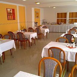 Breakfast room within restaurant B1 Fotos