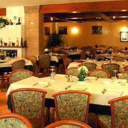 Breakfast room within restaurant Green Park Fotos