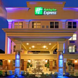 Vista exterior Holiday Inn Express WOODBRIDGE Fotos