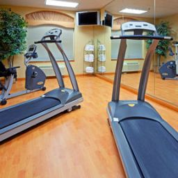 Wellness/Fitness Holiday Inn Express WOODBRIDGE Fotos