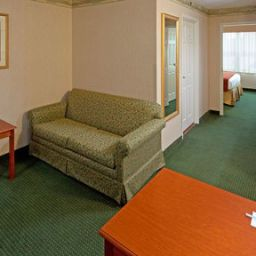 Holiday Inn Express WOODBRIDGE Fotos