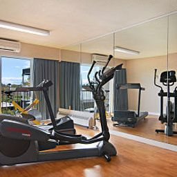 Wellness/Fitness Ramada - Victoria Fotos