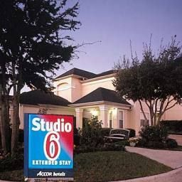 Exterior view Studio 6 Houston Northwest Fotos