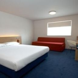 Zimmer TRAVELODGE CAERPHILLY Fotos