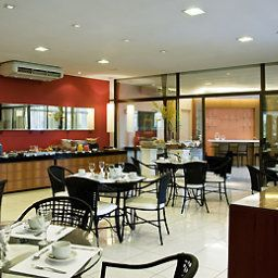 Breakfast room within restaurant Mercure Niteroi Orizzonte Fotos