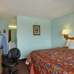 Zimmer Days Inn and Suites Springfield on I-44 Fotos