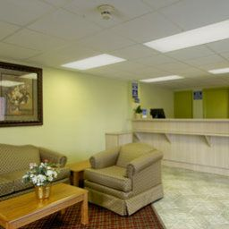 Außenansicht Days Inn and Suites Springfield on I-44 Fotos