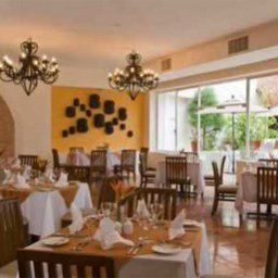 Restauracja Oasis Palm Beach Fotos
