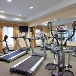 Fitness room Holiday Inn Express Hotel & Suites DAYTON SOUTH FRANKLIN Fotos