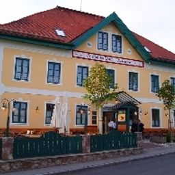 Exterior view Gasthof zur Post Oberwirt Fotos