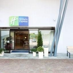 Vista esterna Holiday Inn Express MILAN - MALPENSA AIRPORT Fotos