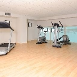 Sala fitness Residhome Carrières Apparthotel Seine St Germain Fotos