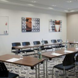 Conference room Holiday Inn Express BREMEN AIRPORT Fotos