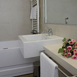 Camera da bagno Base Hotel to Stay Fotos