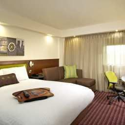 Room Hampton by Hilton CorbyKettering Fotos