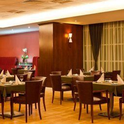 Ristorante Marriott Executive Apartments Atyrau Fotos