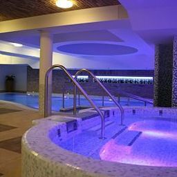Basen Crocus Gere Bor Hotel-Wine Spa**** Fotos