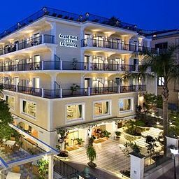 Vista exterior La Favorita Grand Hotel Fotos
