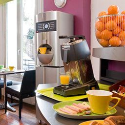 Breakfast room within restaurant ibis Styles Asnieres Centre (ex all seasons) Fotos