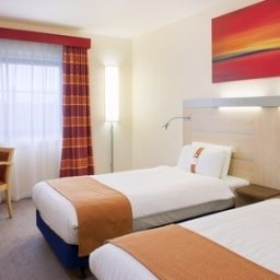 Zimmer Holiday Inn Express KETTERING Fotos