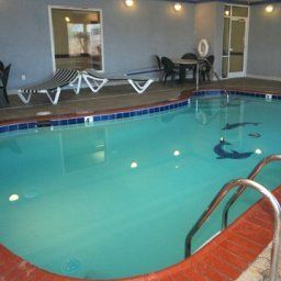 Piscina Comfort Inn & Suites Chesapeake Fotos