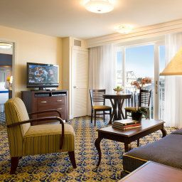 Suite Newport Beach Hotel And Suites Fotos