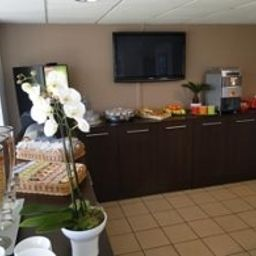 Buffet All Suites Appart Hotel Merignac Residence de Tourisme Fotos