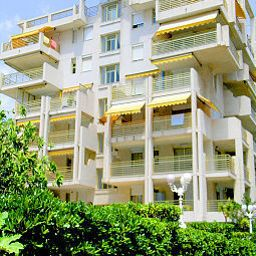 Vista esterna Novelty Apartments Fotos