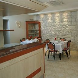 Breakfast room within restaurant Trogir Fotos