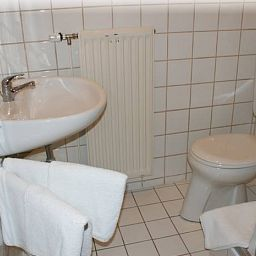 Bathroom König´s Cafe Pension Fotos