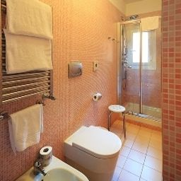 Bathroom Roman Terrace Guest House Fotos