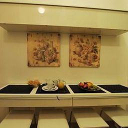 Buffet Roman Terrace Guest House Fotos