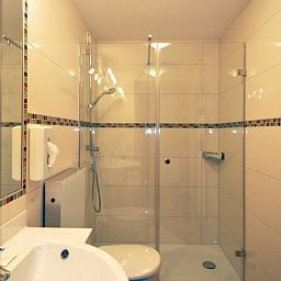 Cuarto de baño Superior Hotel Post Fotos