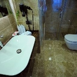 Bathroom Ramada Plaza İzmit Fotos