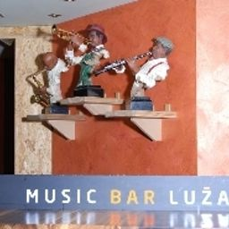 Bar Lužan Fotos