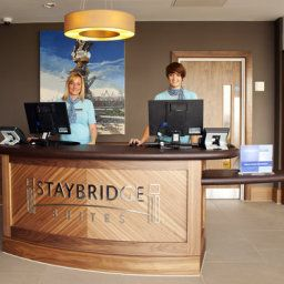 Холл Staybridge Suites LONDON - STRATFORD CITY Fotos